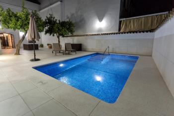 Alquier de Casa en Almodóvar del Río, Córdoba para un máximo de 10 personas con 5 dormitorios