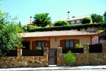 Alquier de Casa en Chinchón, Madrid para un máximo de 8 personas con 4 dormitorios