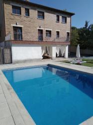 Alquier de Casa rural en Cadalso de los Vidrios, Madrid para un máximo de 10 personas con 4 dormitorios