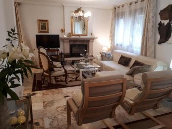 Alquier de Casa en Alpedrete, Madrid para un máximo de 13 personas con 6 dormitorios