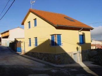 Alquier de Casa en Ávila, Ávila para un máximo de 10 personas con 3 dormitorios