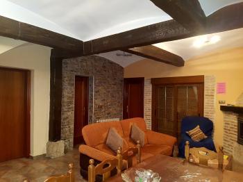 Alquier de Casa en Tordesillas, Valladolid para un máximo de 8 personas con 3 dormitorios