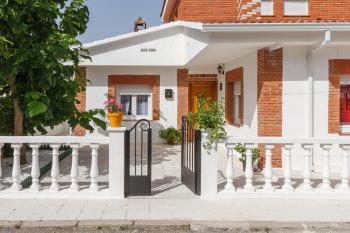 Alquier de Casa en Martín Muñoz de las Posadas, Segovia para un máximo de 4 personas con 2 dormitorios